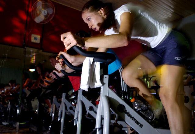 Perca peso com o bike indoor, modalidade que virou mania nas academias Ricardo Wolffenbüttel/Agencia RBS