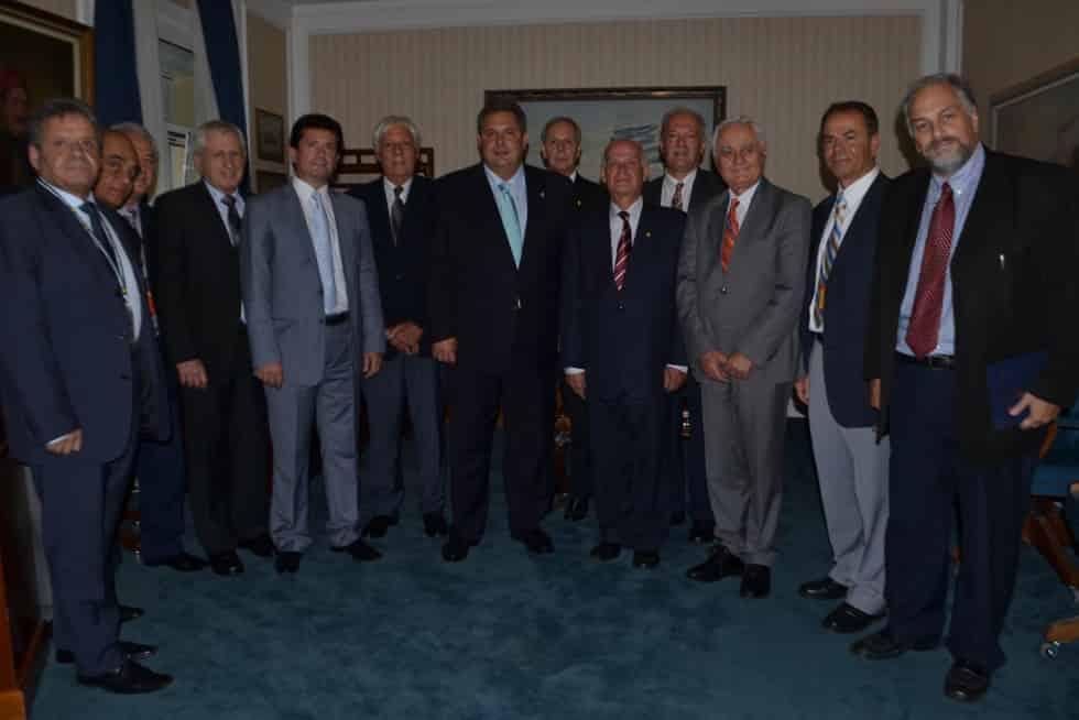 Συνάντηση της Π.Ο.Α.Α.Σ.Α. & του Σ.Σ. τριών Ενώσεων Ε.Δ.με τον ΥΠΕΘΑ κ. ΚΑΜΜΕΝΟ (21-10-2015 )