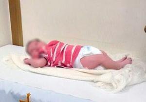 Bebê é encontrado em igreja - restrospectiva (Foto: Reprodução)