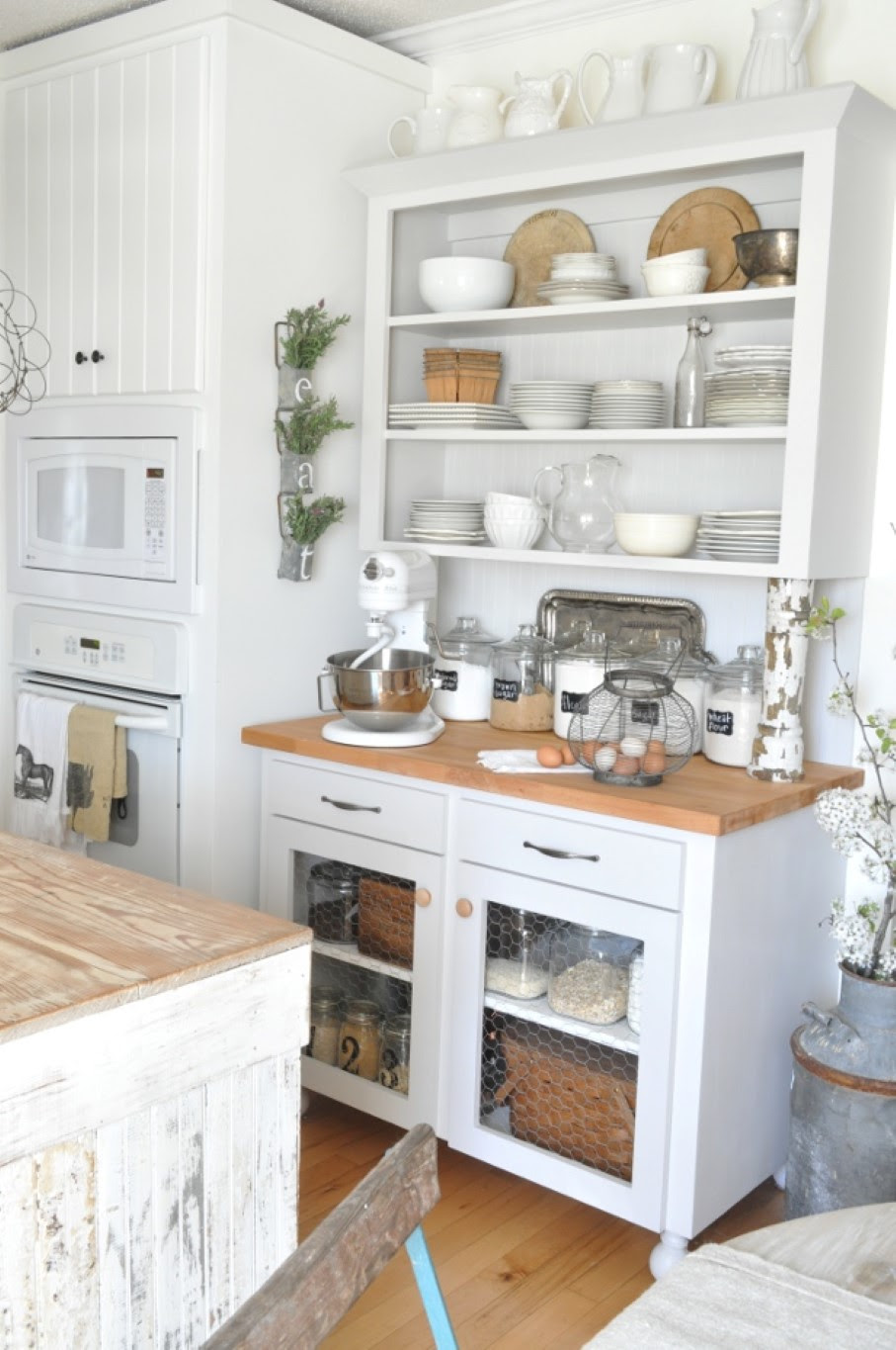 Go Vintage with Antique Cabinet for Chic Kitchen - HomesFeed