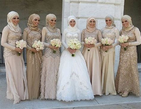 inspirasi model busana formal  bridesmaid berhijab
