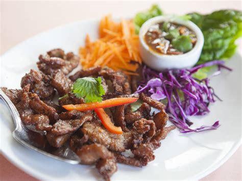 find   thai restaurants  los angeles