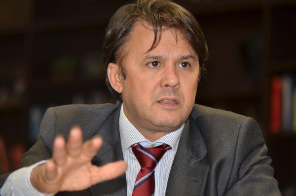 Campanha eleitoral será mais curta e mais cara este ano, afirma advogado