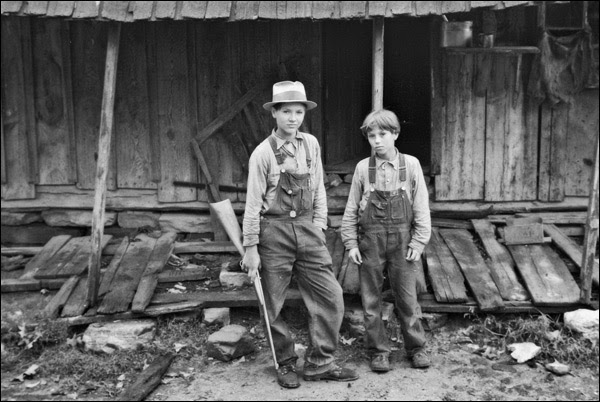 1935-arkansas-tenant-farmer-kids.jpg