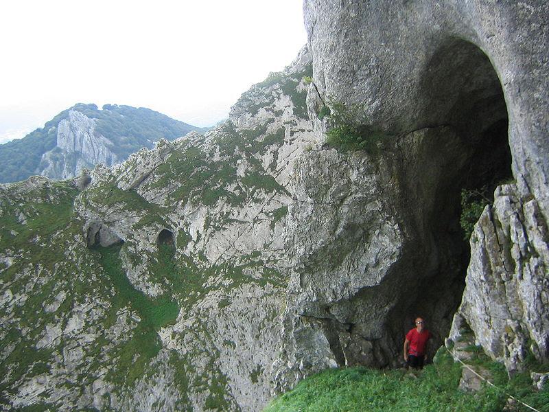 Fitxategi:Cueva de Mari entrada 1.JPG