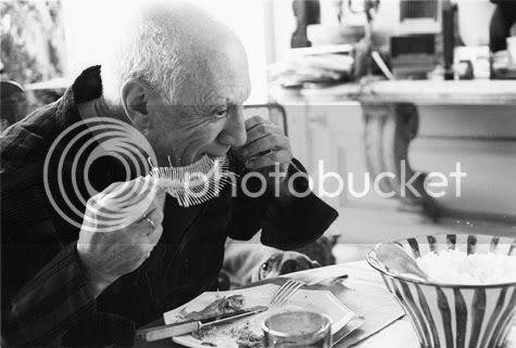 Picasso comiendo