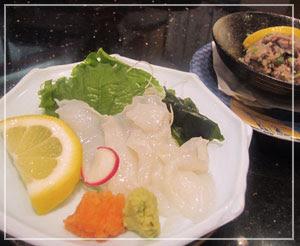 回転寿司屋「銚子丸」にて。おつまみも色々あります♪