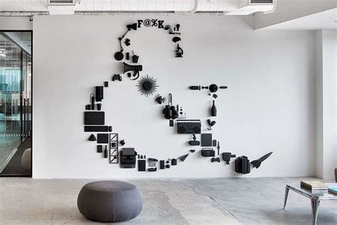 wall decoration ideas  break  monotony   space