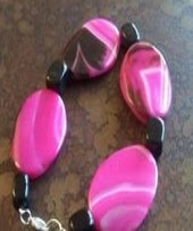 Joyous Pink Stripe Agate and Glass Beaded bracelet