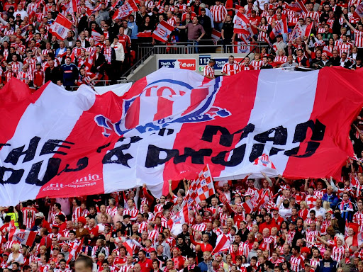 Avatar of 30 fabulous pictures of Stoke City supporters at the 2011 FA Cup final v Man City