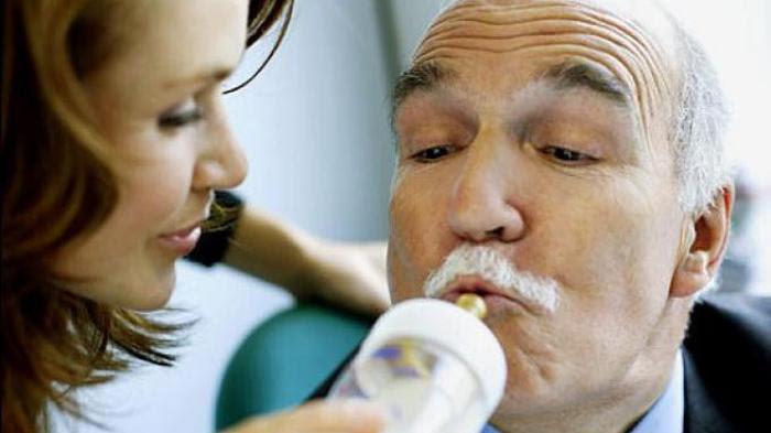 Hasil gambar untuk suami minum susu istri