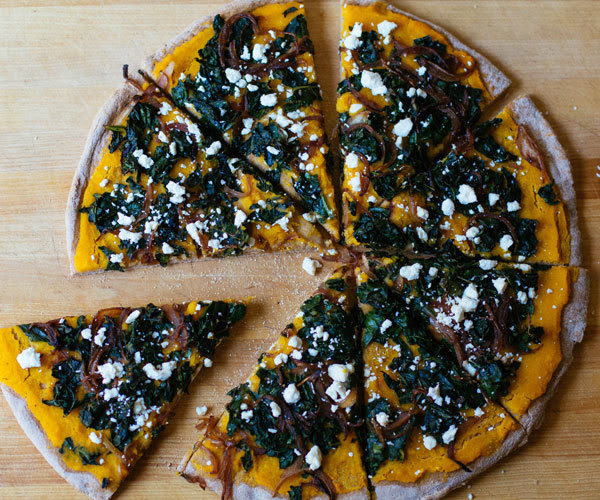 Recipe for pumpkin pizza ith kale and caramelized onions
