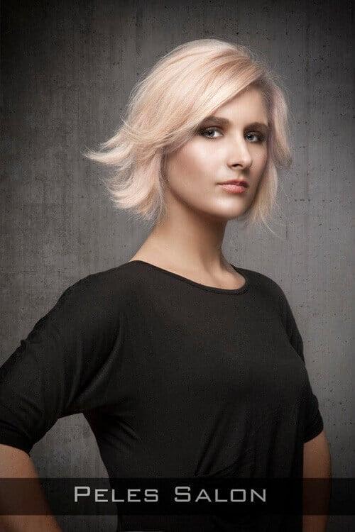 Peinado corto con tirón para la forma de la cara más larga