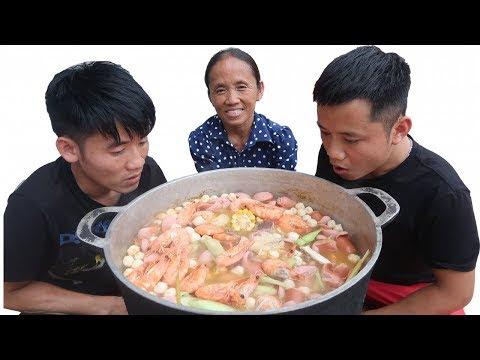 Làm Nồi Lẩu Thái Siêu Cay Khổng Lồ Ăn Mừng Chiến Thắng Đội Tuyển Quốc Gia