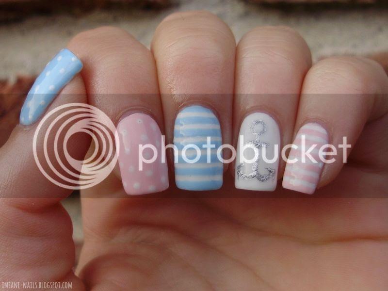 photo pastel-nautical-nails-2_zpse294c8b7.jpg