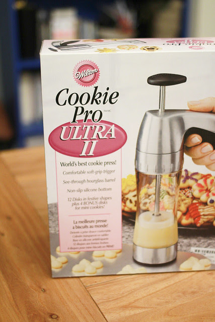 Strawberry Chocolate Chip Cookies & Cute Cookie Press