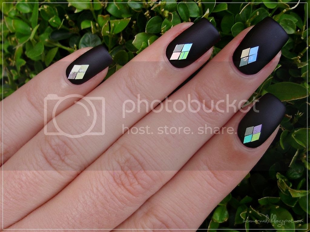 photo black_matte_nails_with_glequins_3_zpsi8s4gd9f.jpg