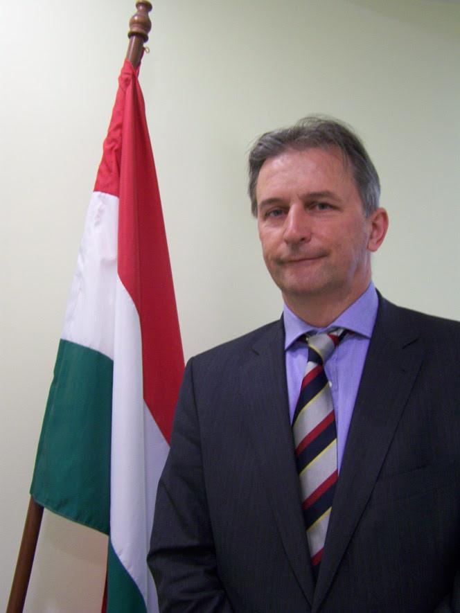 Ο Πρέσβης της Ουγγαρίας σε Ελλάδα και Κύπρο, Erik Haupt.