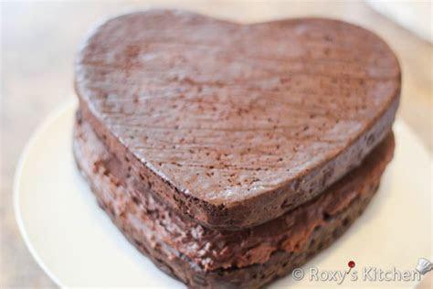 Chocolate Hazelnut Heart Shaped Cake   2013 Wedding