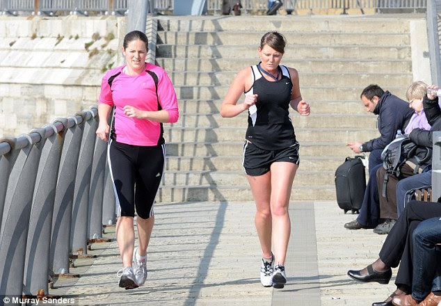 Dry run: The beautiful weather brings out the joggers in Portsmouth