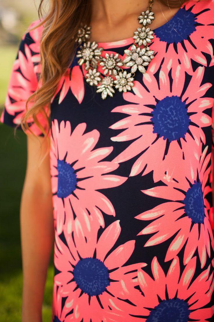 Daisy Pop: Featuring a Fashion Union Dress - Twenties Girl Style