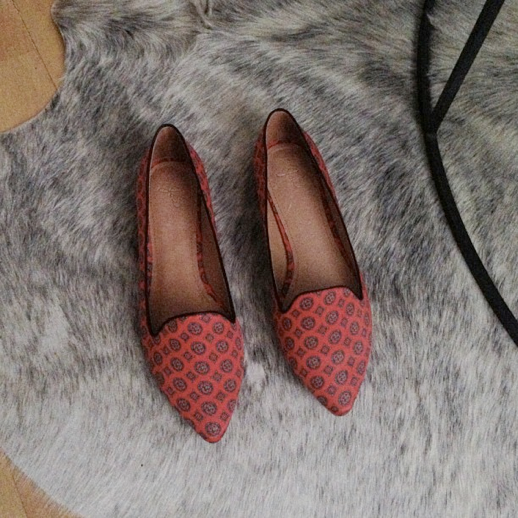 LE FASHION BLOG INSTAGRAM JOIE DAYDREAMING PRINT FLATS POINTY TOE SPRING SUMMER 8