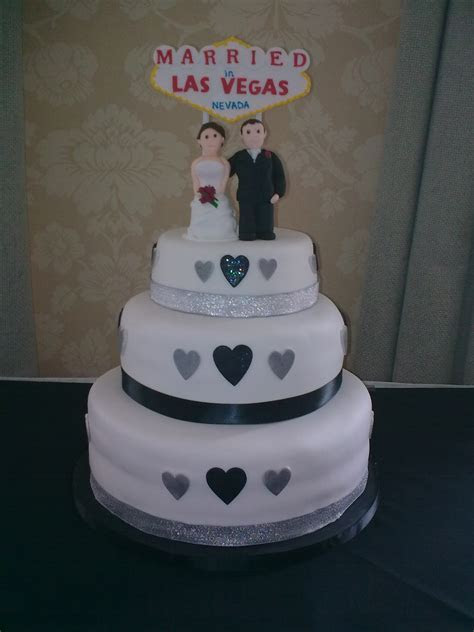 jodie las vegas wedding cake (2)   Samanthaharris's Blog