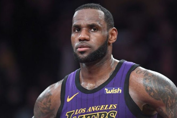 7562dd6cf LeBron James makes eight-word revelation that will WORRY Lakers chiefs and  fans