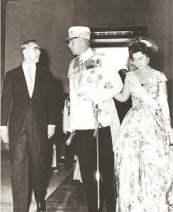 Η κόντρα με το Παλάτι οδήγησε τον Κ.Καραμανλή στη παραίτηση