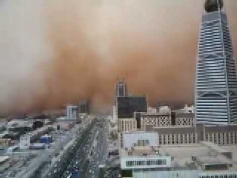 5 Videos of Some Horrible Sandstorms in the Middle East