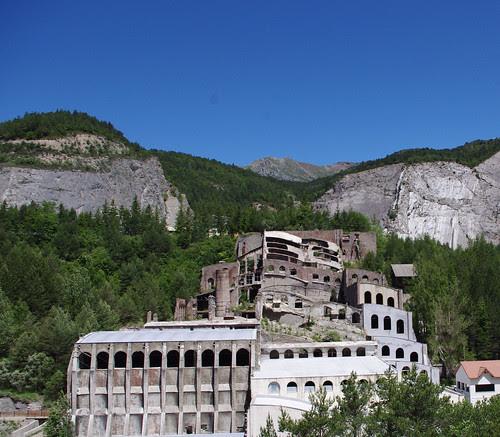 Antiga fàbrica Asland al Clot del moro