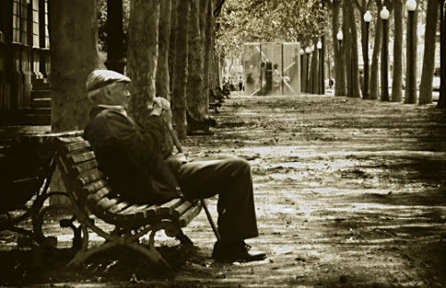 Resultado de imagen de la soledad de los  mayores