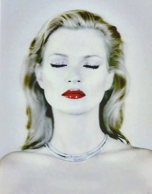 Kate Moss Chris Levine tarafından fotoğraflandı.