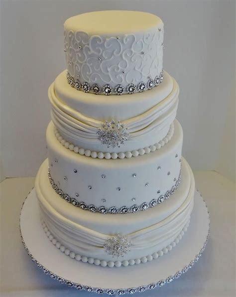 elegant royal blue and white wedding cake ideas, Like the