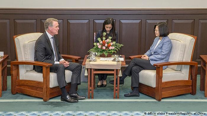 Taiwan Taipei - Taiwans Präsident Tsai Ing-wen trifft US Offizielle (Office of the President/Republic of China)