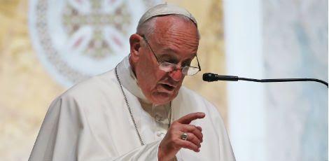 O papa manifestou interesse na canonização, que poderá ser feita por decreto, sem exigência de milagres, porque os mártires foram mortos por confessarem a fé católica / Foto: MARK WILSON  POOL/AFP