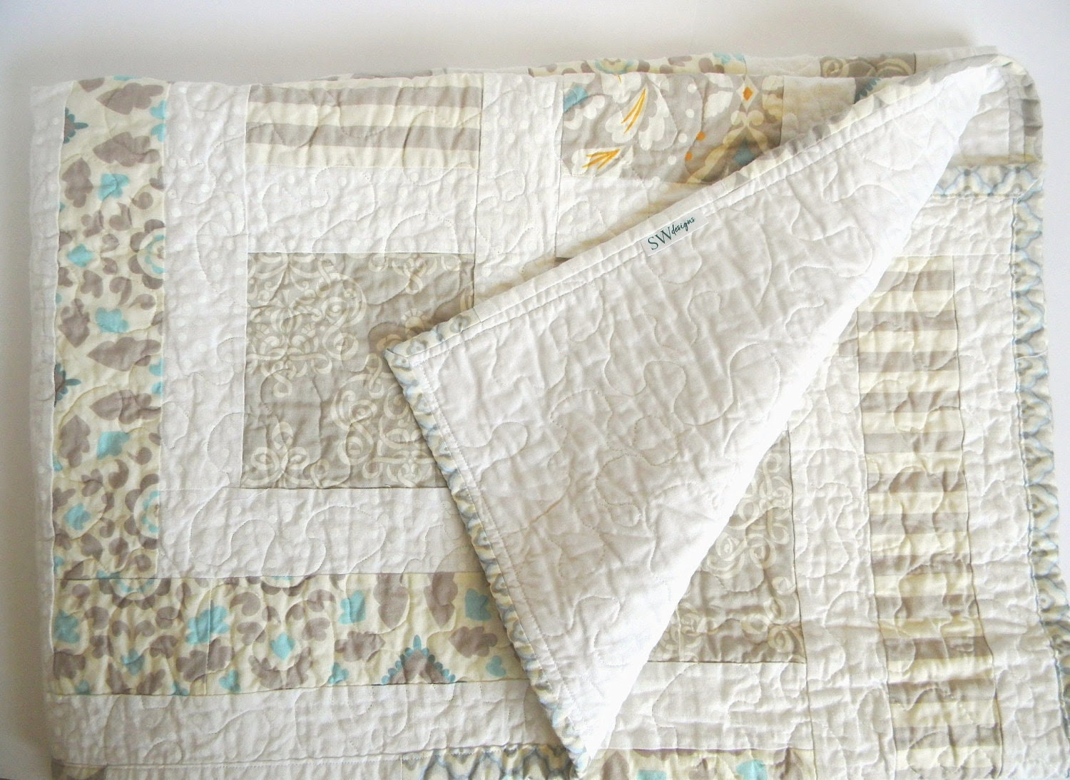 FULL SIZE Bedding Quilt Neutral Colors