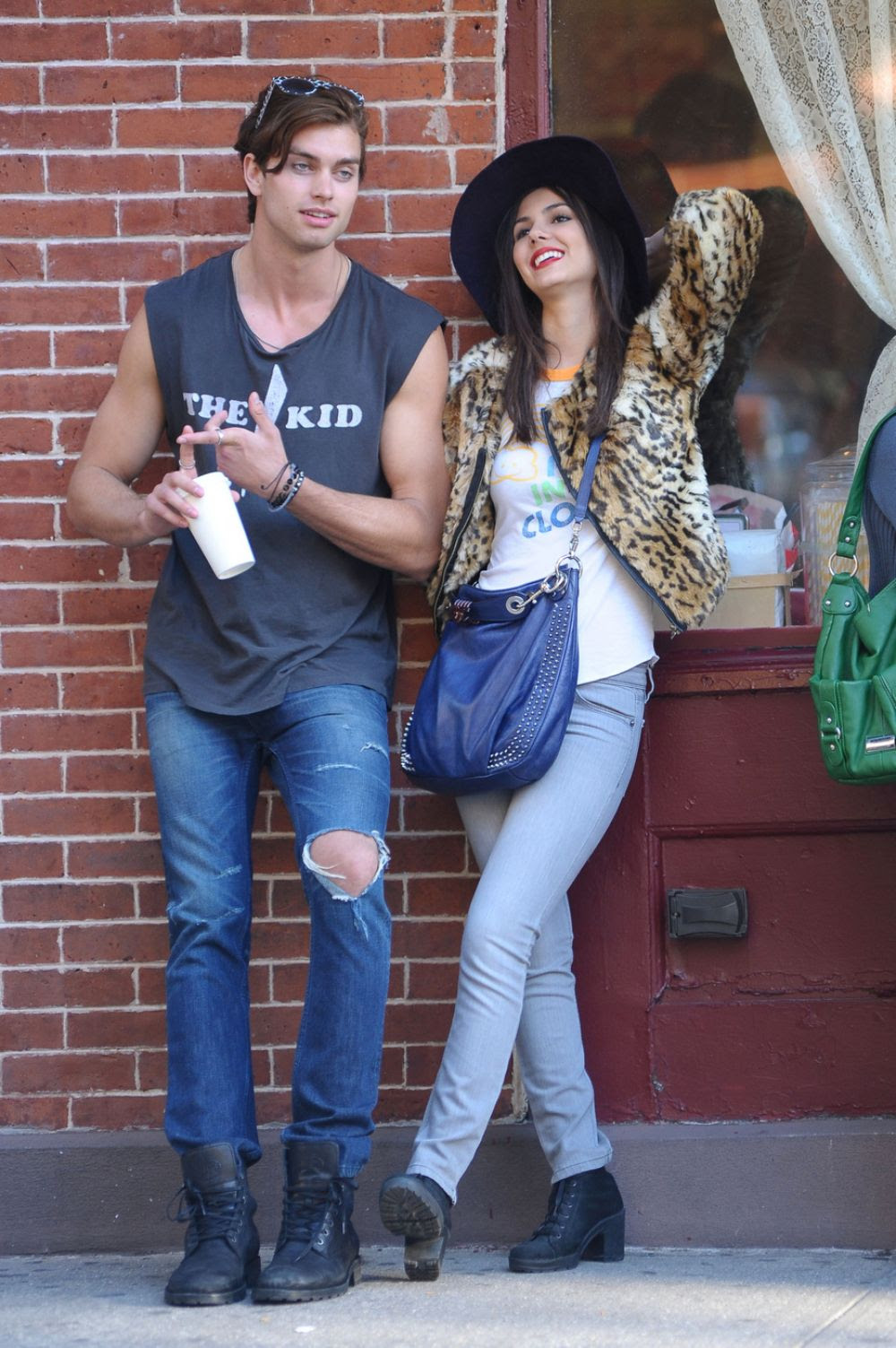 http://www.celebzz.com/wp-content/uploads/2013/10/victoria-justice-on-the-set-of-naomi-ely-s-no-kiss-list-in-ny_6.jpg