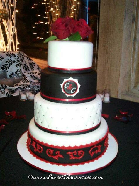 Red & Black Wedding Cake   Sweet Discoveries
