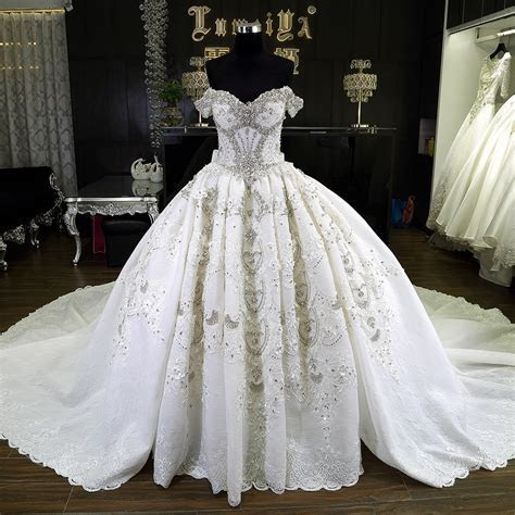 White Puffy Detachable Skirt Wedding Dress With 1.5 M
