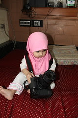 The Worlds Youngest Canon User Nerjis Asif Shakir 1 Year Old by firoze shakir photographerno1