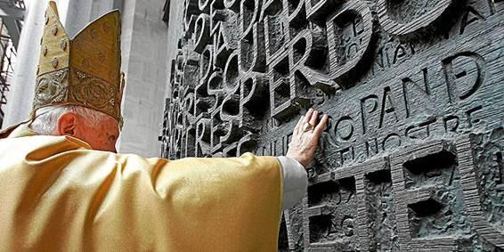 Descripción: http://estaticos04.cache.el-mundo.net/elmundo/imagenes/2010/12/10/portada/1292010306_extras_portada_0.jpg