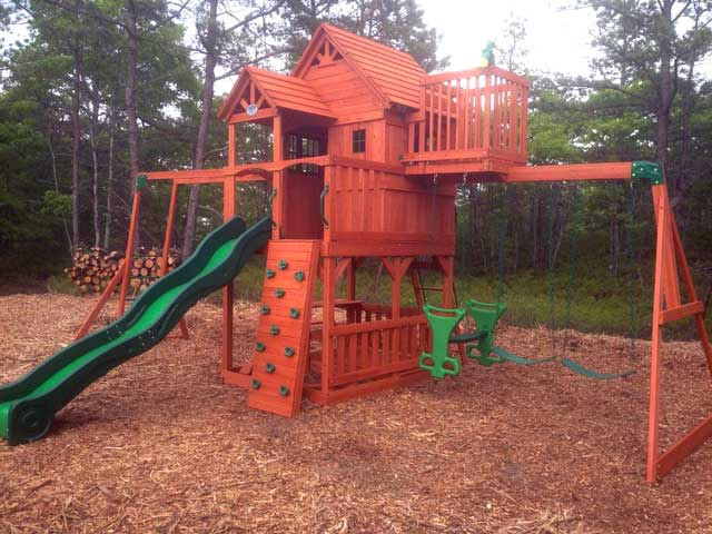 Backyard Discovery Montpelier Cedar