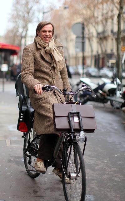 Ciclistas parisienses