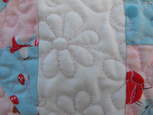 Daisies in the Woods - quilting detail