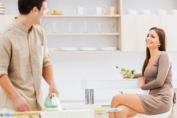 Husband does chores while wife has lunch
