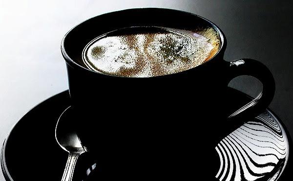 perierga.gr - Πίνεις τον καφέ σου σκέτο; Μήπως είσαι ψυχοπαθής;
