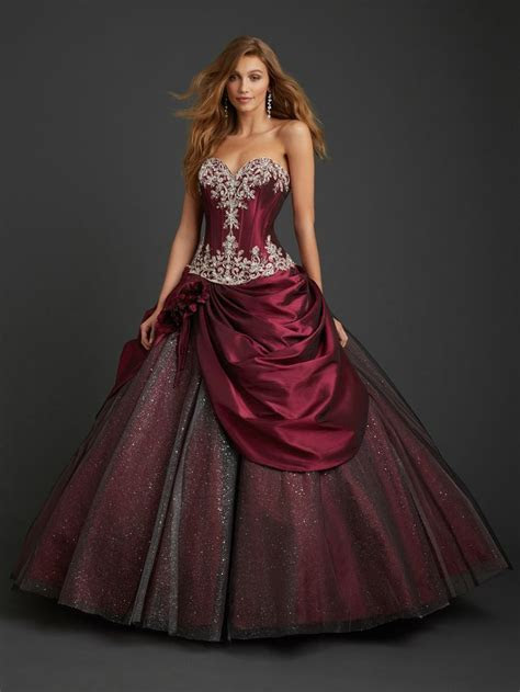 1000  ideas about Masquerade Dresses on Pinterest   Black