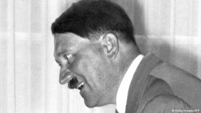 Lächelnder Hitler (Getty Images/AFP)