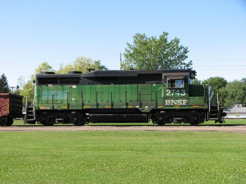 BNSF 2743 in Winnipeg